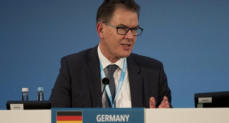 German Development Minister: 'Eight to Ten Million Refugees Are Still on the Way'