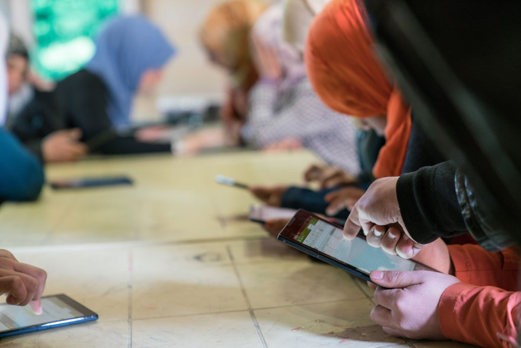 UN forum in Paris to spotlight mobile learning for refugees and displaced persons