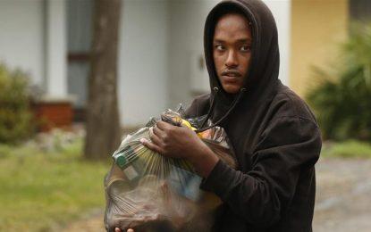 Calais mayor's 'ban' on food aid to refugees slammed