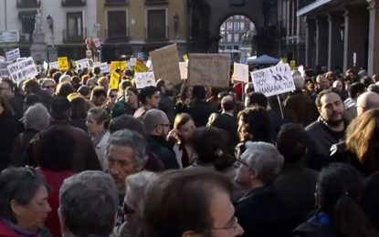 30 Spanish cities march in solidarity with refugees, against 'Fortress Europe'