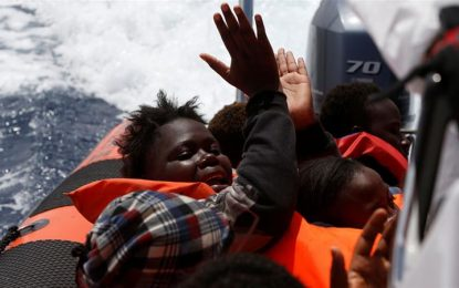 Nearly 250 refugees dead or missing after shipwrecks off Libyan coast