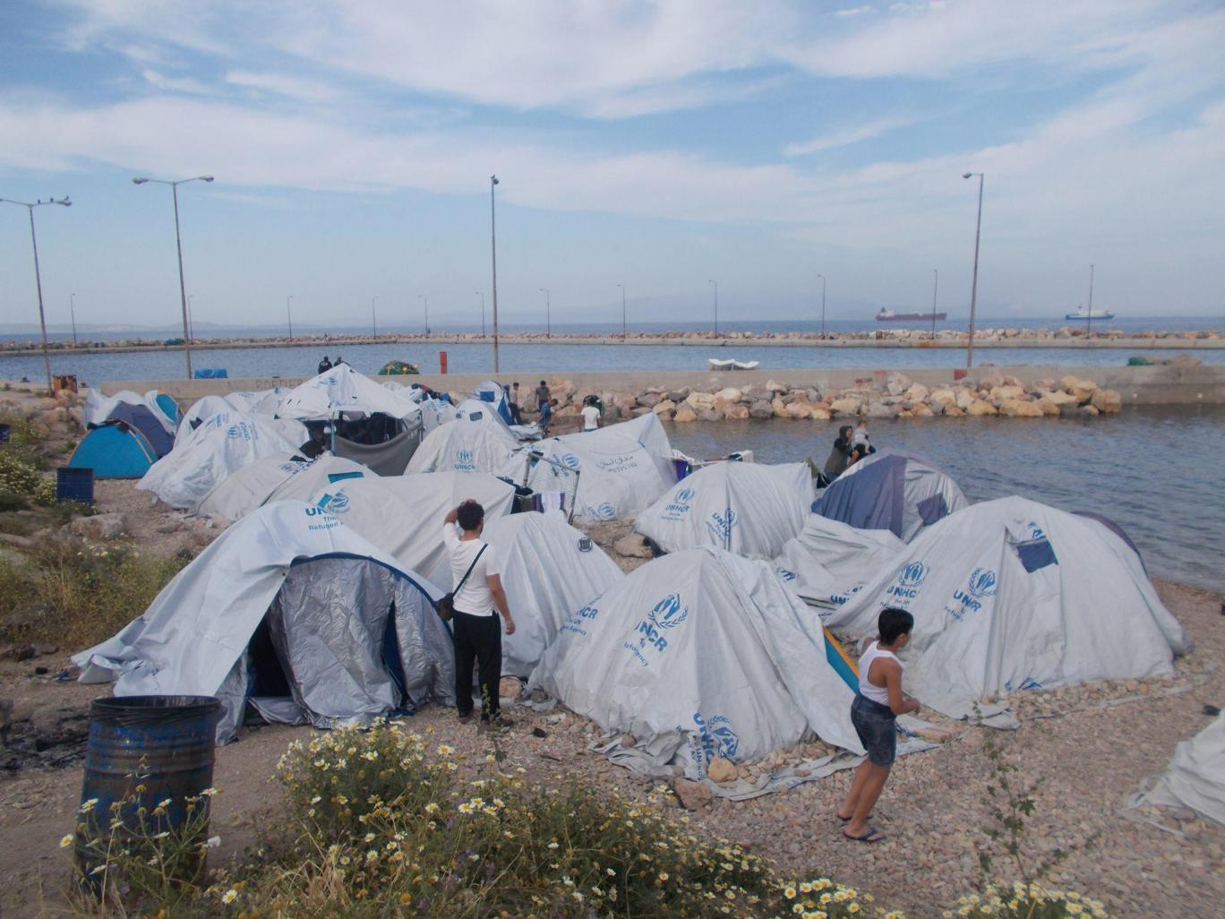 One in three refugees on Greek island of Chios has witnessed suicide since arriving, report finds
