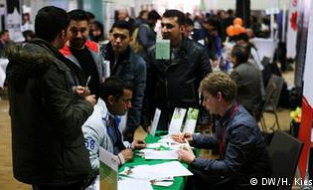 Privately-sponsored Syrian refugees more likely to find work