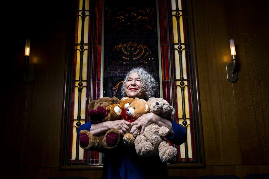 Syrian refugee children get 5,000 teddy bears, thanks to SF woman
