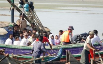 Rohingya refugees prefer boats to camps in Myanmar