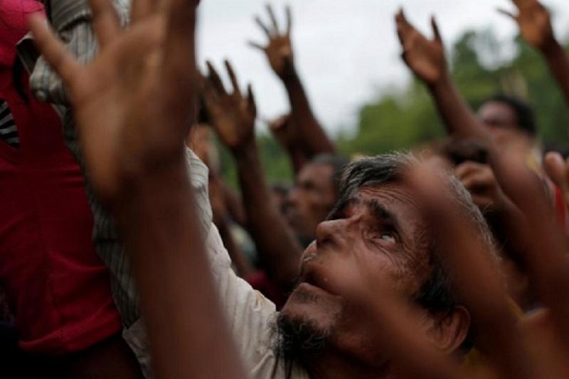 Many Rohingya gather in port city for Zakat, alms