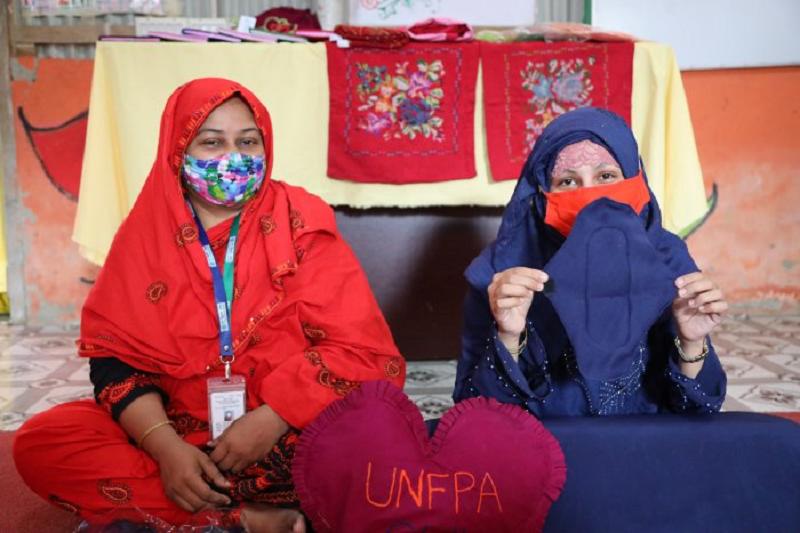 Rohingya women produce reusable sanitary pads in Cox's Bazar